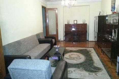 Сдается 3-комнатная квартира посуточно в Батуми, Фарнаваз Мефе, 4.