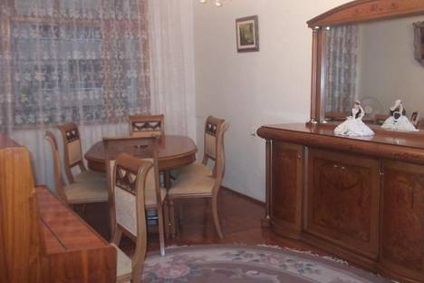 Сдается 3-комнатная квартира посуточно в Батуми, Джавахишвили, 11.