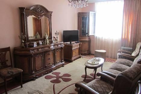 Сдается 2-комнатная квартира посуточно в Батуми, Руруа, 32.