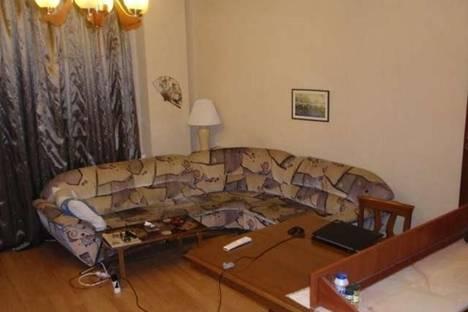 Сдается 2-комнатная квартира посуточно, Кипшидзе, 9б.