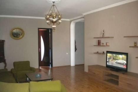 Сдается 2-комнатная квартира посуточно, Киачели, 26.