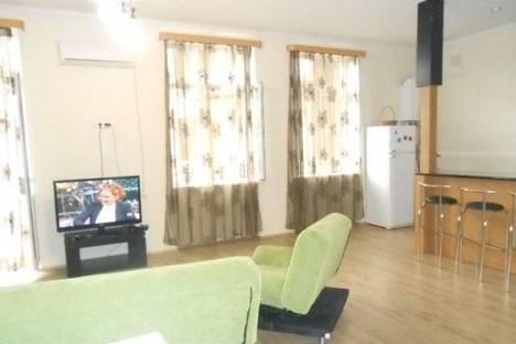 Сдается 3-комнатная квартира посуточно, Бараташвили, 10.