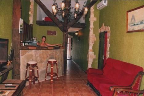 Сдается 2-комнатная квартира посуточно в Ялте, Московская ул., 1.