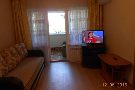 Сдается 1-комнатная квартира посуточнов Сочи, ул. Юных Ленинцев, 9.