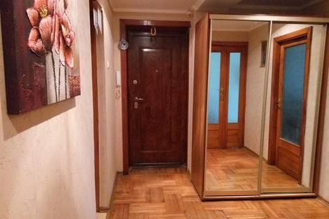 Сдается 3-комнатная квартира посуточно в Судаке, пер солнечный 20.