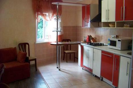Сдается 2-комнатная квартира посуточно в Гаспре, ул.Лесная 14.
