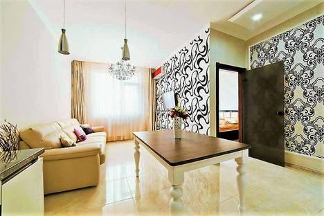 Сдается 2-комнатная квартира посуточнов Ильичёвске, Гагаринское плато 5 б.
