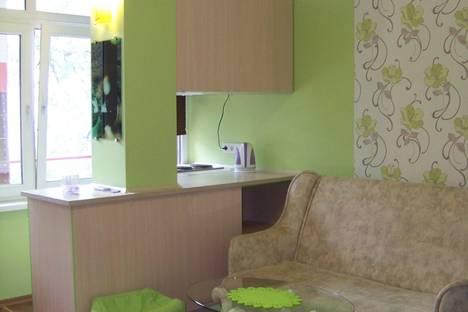 Сдается 1-комнатная квартира посуточнов Ливадии, Батурина 18.