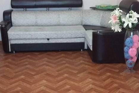 Сдается 1-комнатная квартира посуточно в Кропоткине, улица Микрорайон-1, 22.