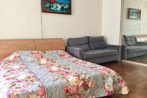 Сдается 1-комнатная квартира посуточно в Самаре, ул. Партизанская, 80а.