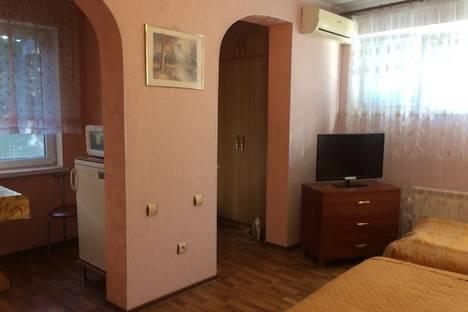 Сдается 1-комнатная квартира посуточно в Ялте, партизанская 4 кв 3а.