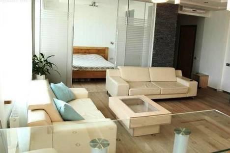Сдается 2-комнатная квартира посуточнов Риге, Бривибас, 100.