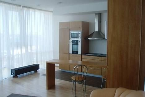 Сдается 3-комнатная квартира посуточно в Риге, пл. Республиканцев, 3.