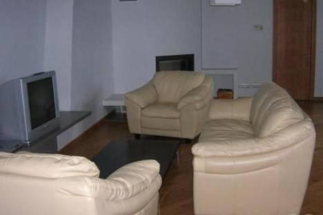 Сдается 3-комнатная квартира посуточнов Риге, Алунана, 2.