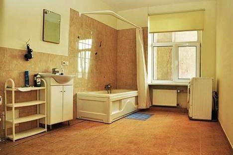 Сдается 4-комнатная квартира посуточнов Риге, Марияс, 16.