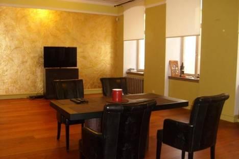 Сдается 4-комнатная квартира посуточнов Риге, Миеснеку, 14.