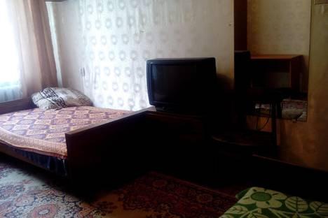 Сдается 2-комнатная квартира посуточно в Яровом, Квартал А, дом 11.