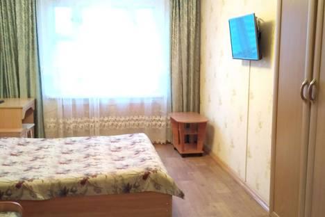 Сдается 3-комнатная квартира посуточно в Казани, ул. Чистопольская, 31.