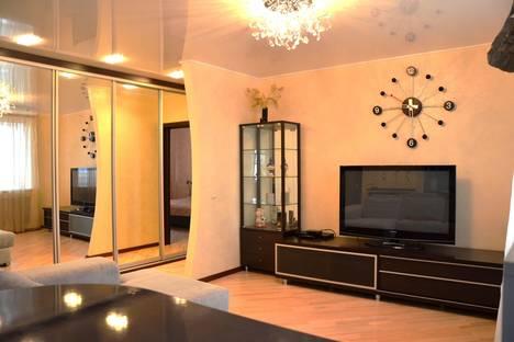 Сдается 2-комнатная квартира посуточно в Брянске, ул. Красноармейская, 100.
