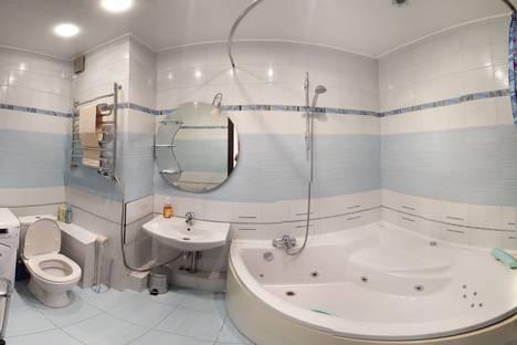 Сдается 2-комнатная квартира посуточно, ул. Красноармейская, 100.