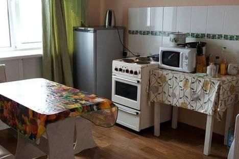 Сдается 1-комнатная квартира посуточнов Назарове, арбузова 120 а.