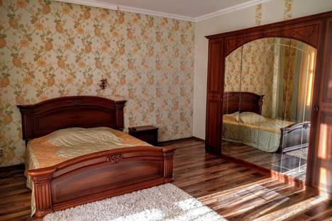 Сдается 1-комнатная квартира посуточно в Костроме, ул. Нижняя Дебря, 104.