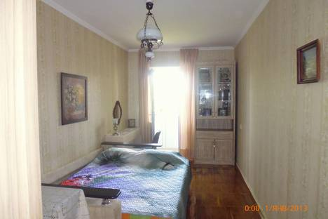 Сдается 2-комнатная квартира посуточно в Анапе, ул. Крестьянская, 26.