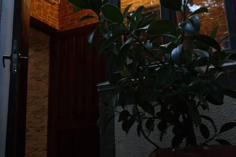 Сдается комната посуточно в Судаке, Октябрьская 11кв2.