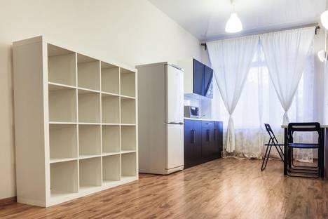 Сдается 1-комнатная квартира посуточнов Ревде, ул. Зои Космодемьянской, , 11.