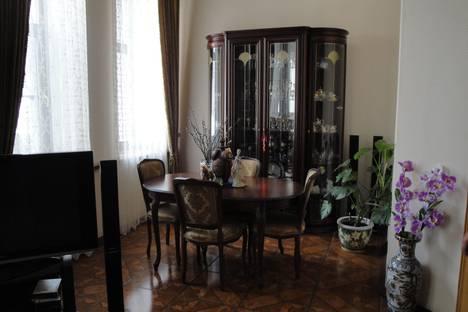 Сдается 2-комнатная квартира посуточнов Санкт-Петербурге, ул.Чайковского, д.25.