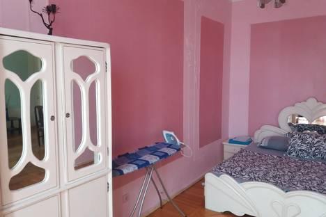 Сдается 2-комнатная квартира посуточнов Баку, Хагани 39.