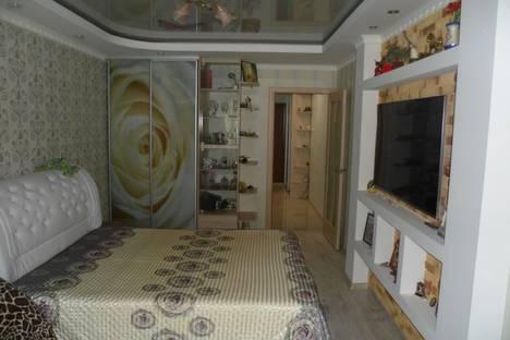 Сдается 1-комнатная квартира посуточно в Алуште, ул. Ленина, 60.