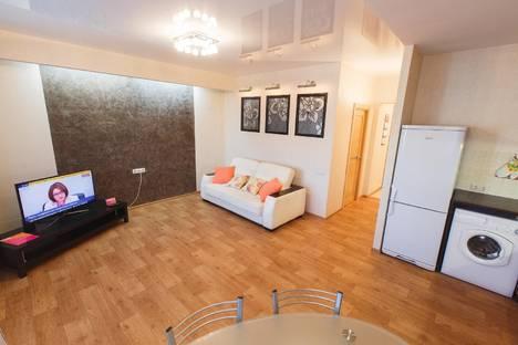 Сдается 2-комнатная квартира посуточно в Томске, переулок Базарный, 12.