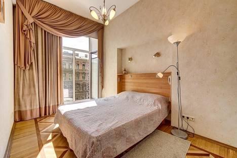 Сдается 3-комнатная квартира посуточно в Санкт-Петербурге, 2-я Советская улица, 12.