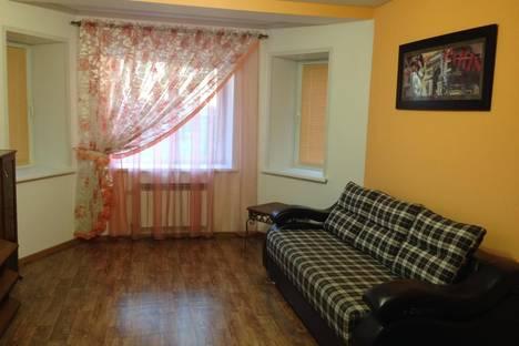 Сдается 1-комнатная квартира посуточно в Абакане, ул. Авиаторов, 10.