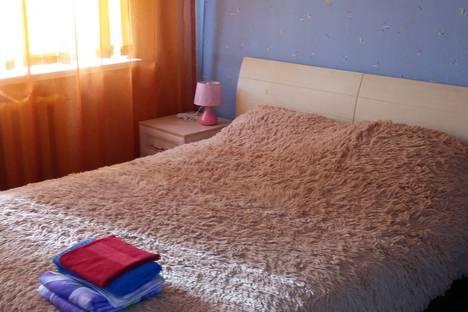 Сдается 2-комнатная квартира посуточно в Сургуте, ул. Декабристов, 15.