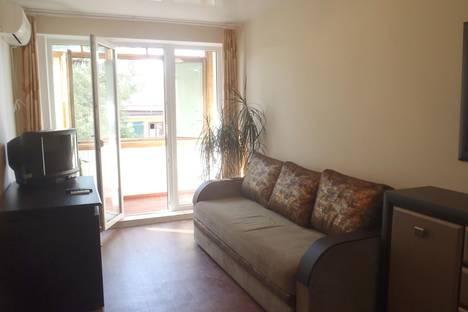 Сдается 2-комнатная квартира посуточно в Гаспре, Маратовская 57.