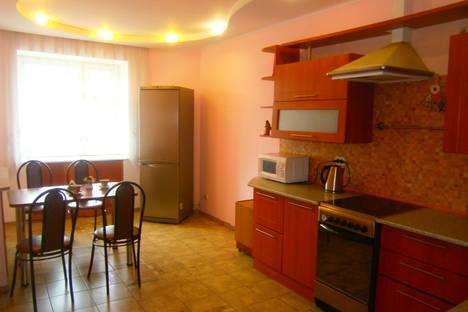 Сдается 3-комнатная квартира посуточно в Сыктывкаре, Карла Маркса, 191.