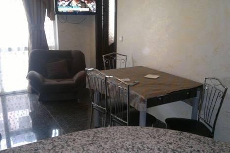 Сдается 2-комнатная квартира посуточно в Батуми, ул. Царя Парнаваза, 135.