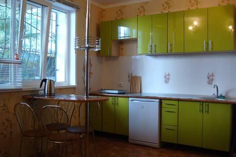 Сдается 1-комнатная квартира посуточно в Ялте, Севастопольская, 11/1.