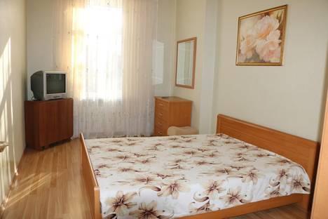 Сдается 3-комнатная квартира посуточно в Ялте, Крым,улица Московская, 5.