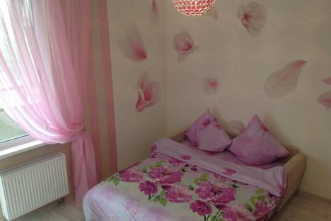 Сдается 1-комнатная квартира посуточнов Гатчине, Хохлова 16.