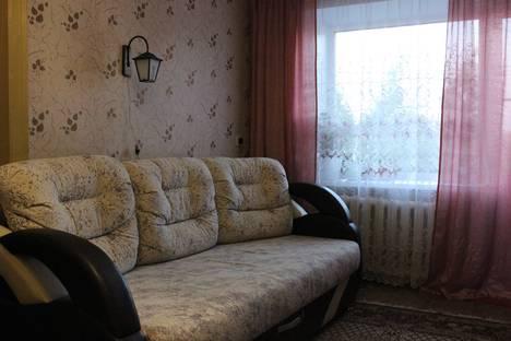 Сдается 3-комнатная квартира посуточно в Яровом, квартал Б, 18.
