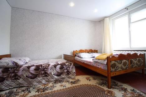Сдается 3-комнатная квартира посуточно, ул. Мичмана Павлова, 34.