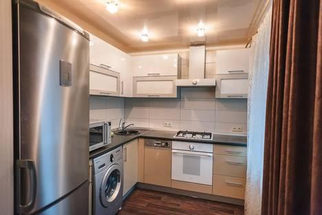 Сдается 2-комнатная квартира посуточнов Волжском Утёсе, Мира 27.