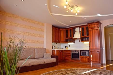 Сдается 1-комнатная квартира посуточно в Барнауле, Папанинцев 111.