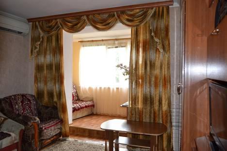 Сдается 2-комнатная квартира посуточно в Туапсе, Фрунзе 34.