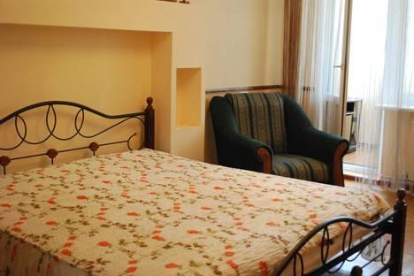 Сдается 2-комнатная квартира посуточно в Гаспре, Алупкинское шоссе 48.