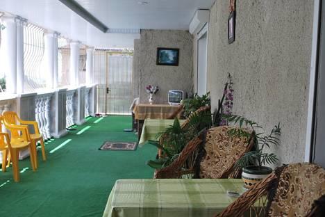Сдается 1-комнатная квартира посуточно в Гаспре, Маратовская 57.