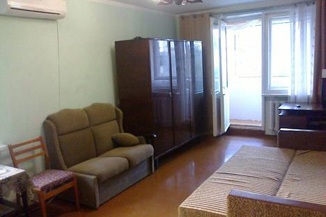 Сдается 2-комнатная квартира посуточно в Партените, Победы 6.
